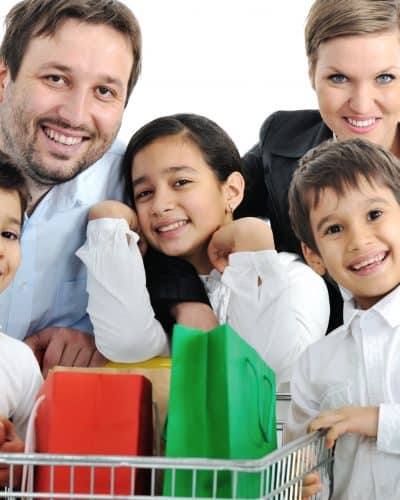 4 Ways Your Family can Volunteer to Help the Community