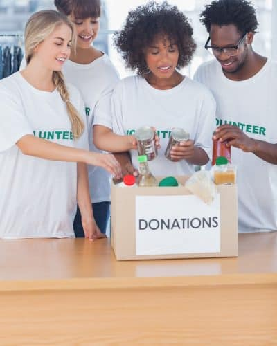 Giving Back to the Community: 10 Ways to Make a Difference This Holiday Season