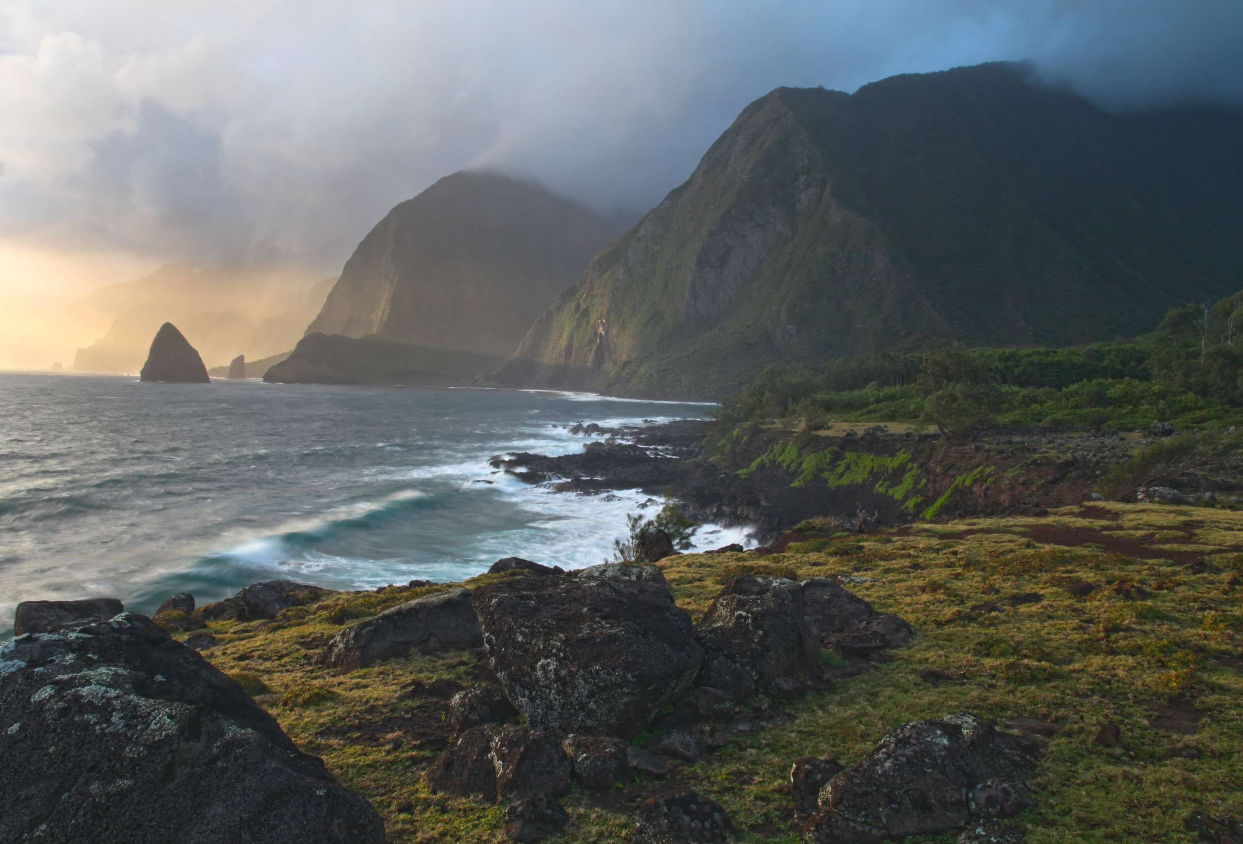These 8 Hawaii National Parks Will Blow Your Mind!