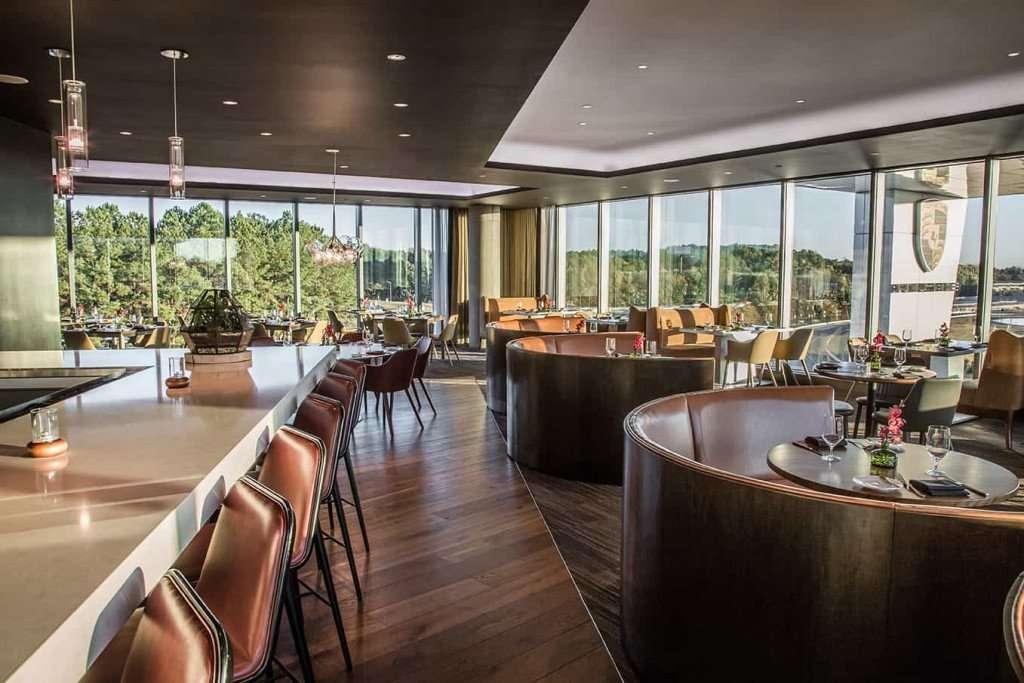 Porsche Experience Center - restaurant