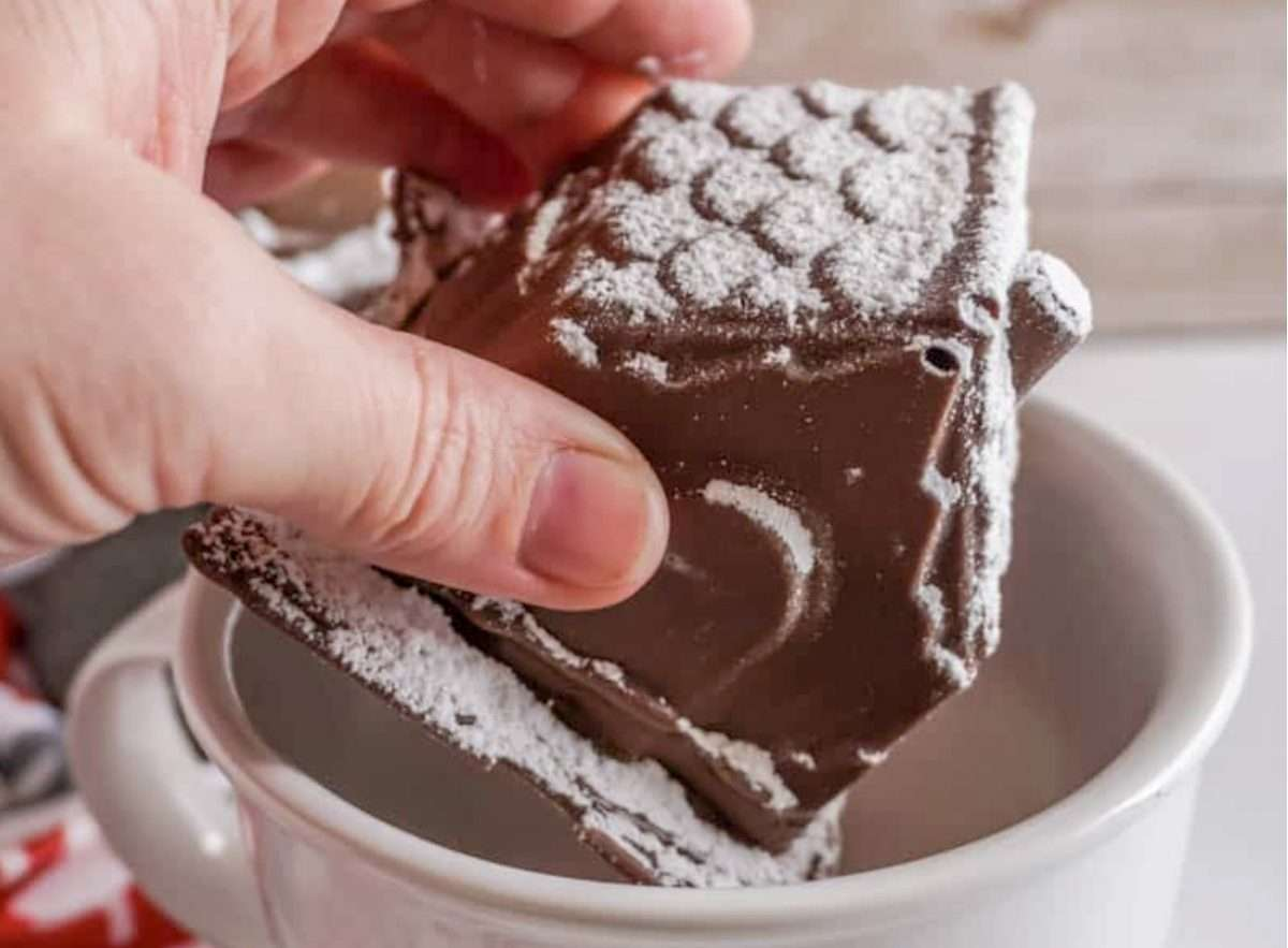 27 Tasty Hot Chocolate Bomb Recipes
